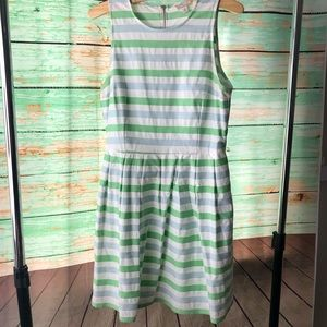 GAP Fit & Flare Striped Dress Size 8 w pockets